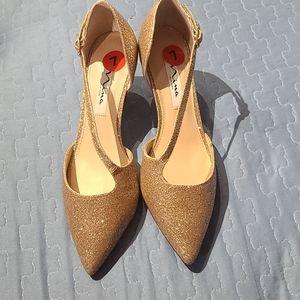 Nina Tiras Glitter Kitten Heel pumps